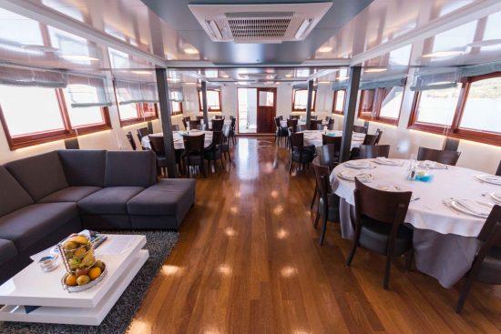 MS Admiral - Lounge & Restaurant