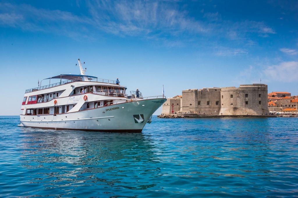 MS Splendid - Boat Deckplan, Image Gallery, Itinerary & Reviews   Cruise  Croatia , USA & Cananda