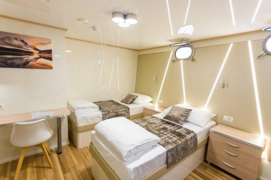 MS Maritimo Twin Cabin